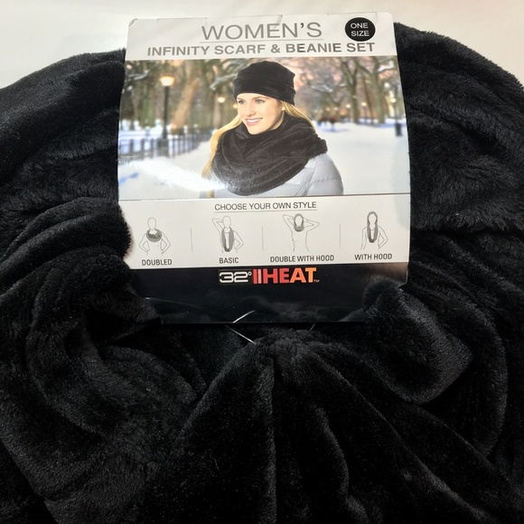 New 32 Degrees Ladies/' Ultra Soft Faux Fur Infinity Scarf and Hat Set